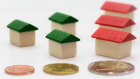 finanziamento case (foto di Alexander Stein per pixabay.com)