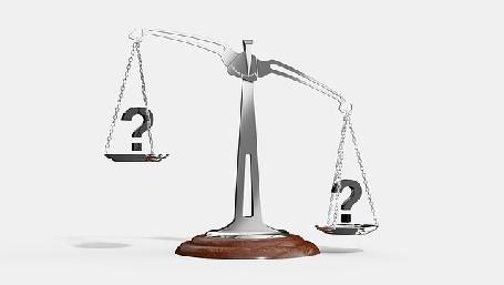 Quanto pesano i piatti della bilancia? - foto Arek Socha da Pixabay