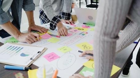 Gruppo di progetto (foto: tirachardz per freepik.com)