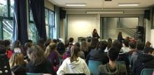consigliera di parità in aula magna con studenti dell'Einaudi-Grimani